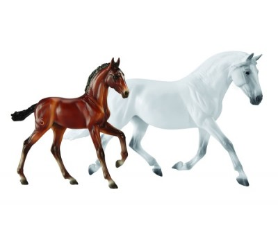 Breyer Traditional Fantasia Del C and Gozosa